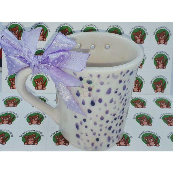 Balkezes bögre lila mintával