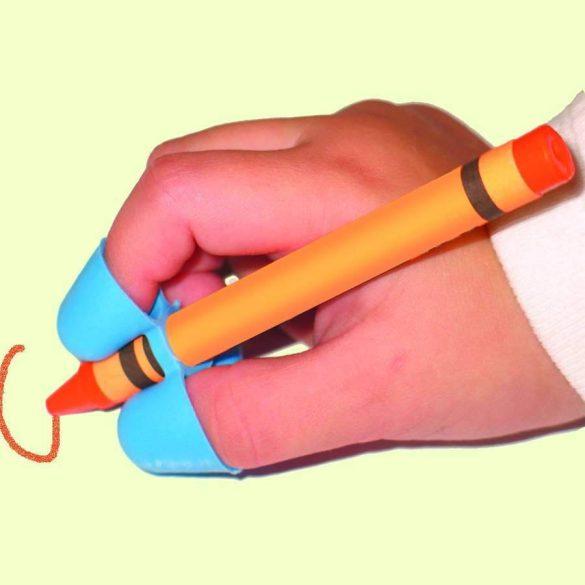 Három ujjas ceruzafogó jobb-és balkezeseknek, 3-5 éves korig. Kék, piros, citromsárga, narancssárga, világoszöld, rózsaszín és lila színben kapható.