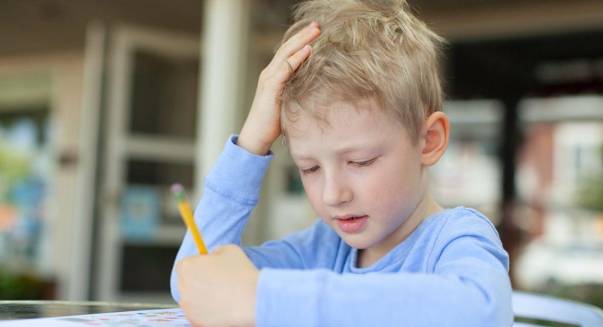 Miért fontos a ceruzafogás, különösen balkezesek esetében?
